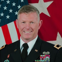 Army General's Text to an Enlisted Soldier's Wife Prompts Investigation